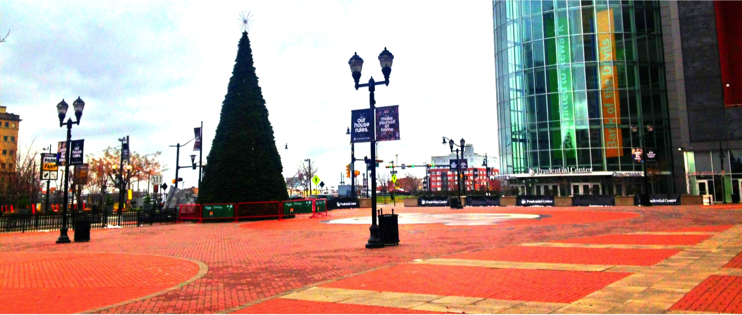 Newark Christmas Tree Lighting Plaza