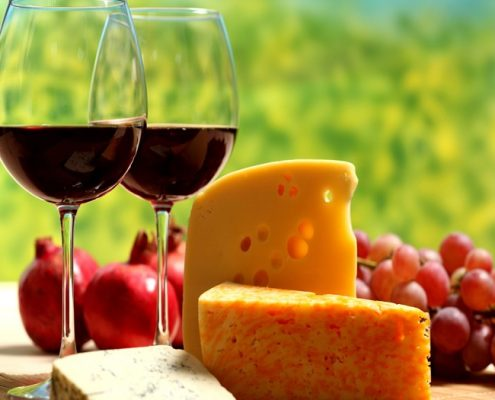happy-hour-wine-chees